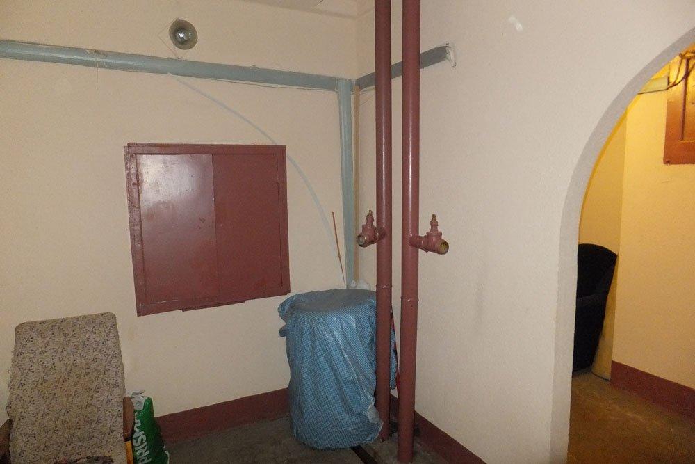 На фото пожарный водопровод до переноса